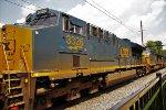 CSX 3326 on Q032
